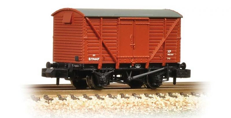 Graham Farish, 377-627A, 12 Ton Ventilated Van BR Bauxite (Early) N Scale Product Ref 377-627A