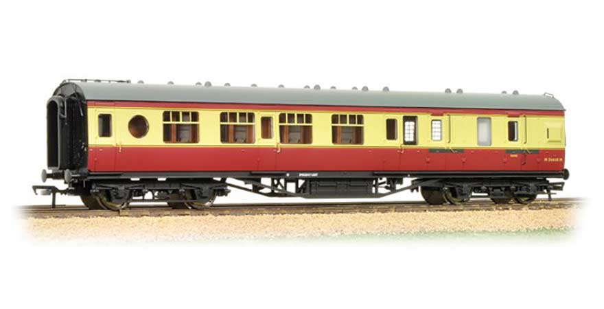 Branchline 39-460, LMS 57ft Porthole Coach Corridor Brake Third BR Crimson & Cream