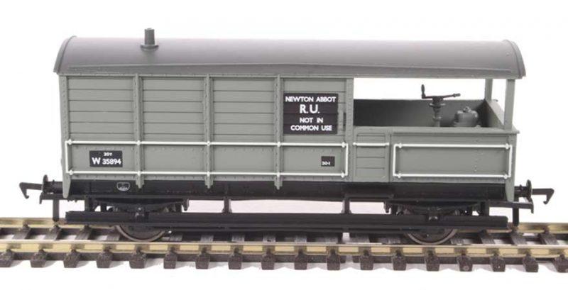 Branchline 33-306D, 20 ton toad brake van BR grey OO Scale Product Ref 33-306D