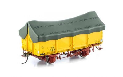 Auscision VICTORIAN GY WAGON VFW-34VR Hansa Yellow GY with Green Tarpaulin (6 Car Pack)