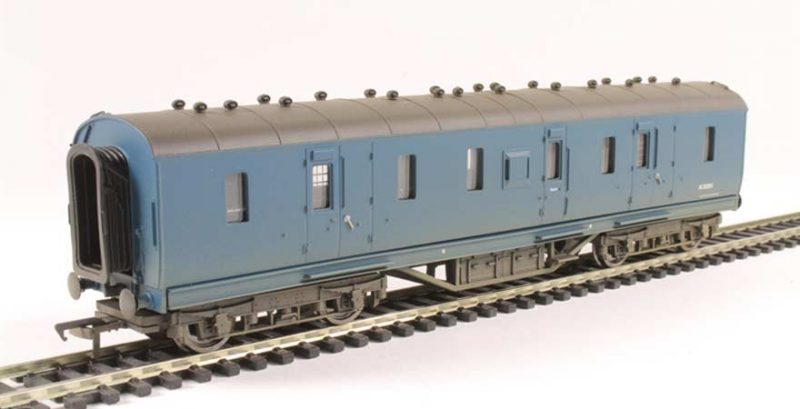 Branchline 34-328A, 50ft Ex-LMS PIII Parcels Van BR Blue Weathered OO Scale Product Ref 34-328A