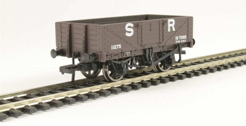Branchline 37-067, 5 Plank Wagon Wooden Floor SR Brown OO Scale Product Ref 37-067