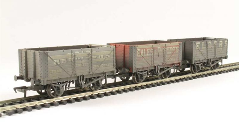 Branchline 37-095A, Coal Trader' Pack 7 Plank Private Owner Wagons Weathered OO Scale Product Ref 37-095A