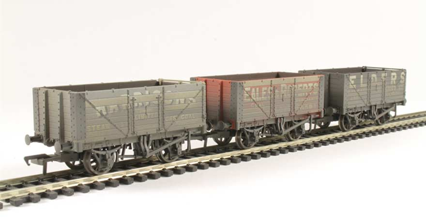 Branchline 37-095A, Coal Trader' Pack 7 Plank Private Owner Wagons  Weathered, OO Scale