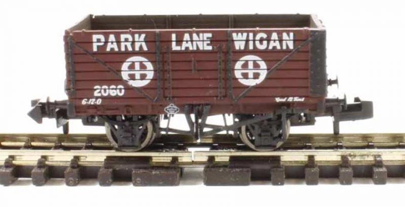 Graham Farish, 377-085, 7 Plank Wagon Park Lane Wigan