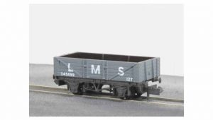 Peco Wagons NR 40M 5 plank LMS LT Grey