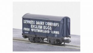 Peco Wagons NR P133 Express Dairy English Eggs Van